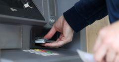 Кыргызкоммерцбанк запустил услугу пополнения карт наличными через банкоматы