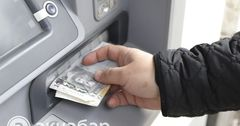 Задолженность по зарплате кыргызстанцам в России превышает 32.4 млн рублей