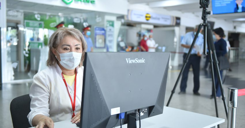 Боронов проверил готовность аэропорта «Манас» к возобновлению авиарейсов
