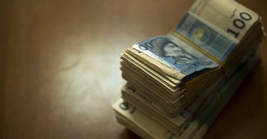 За год объем денег в обращении у кыргызстанцев вырос до 82.9 млрд сомов