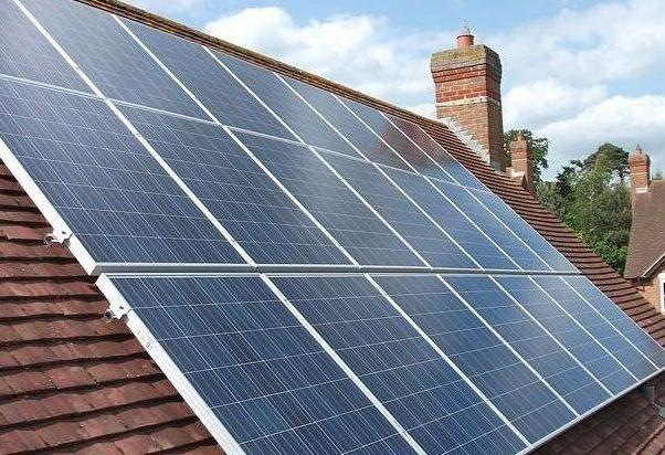 Tesla начала сдавать в аренду солнечные панели