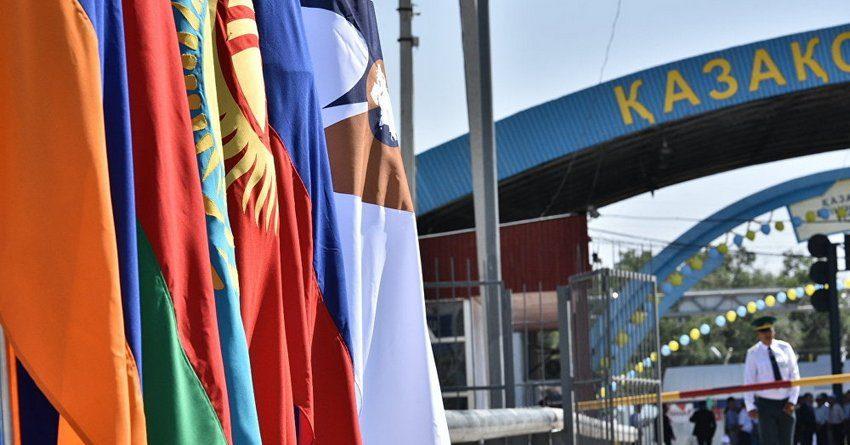 Экспорт товаров из Кыргызстана в Казахстан упал за 5 месяцев на 69.2%