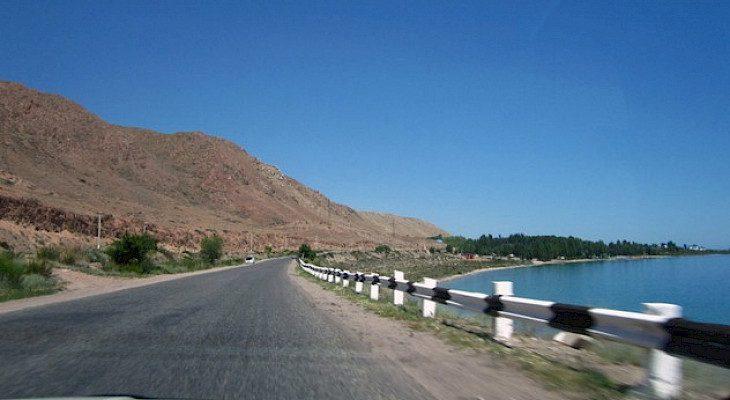 Кыргызстан взял кредит в $128 млн на строительство трассы Балыкчы — Каракол