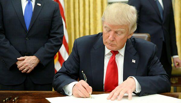 Президент США намерен отменить «родильный туризм»