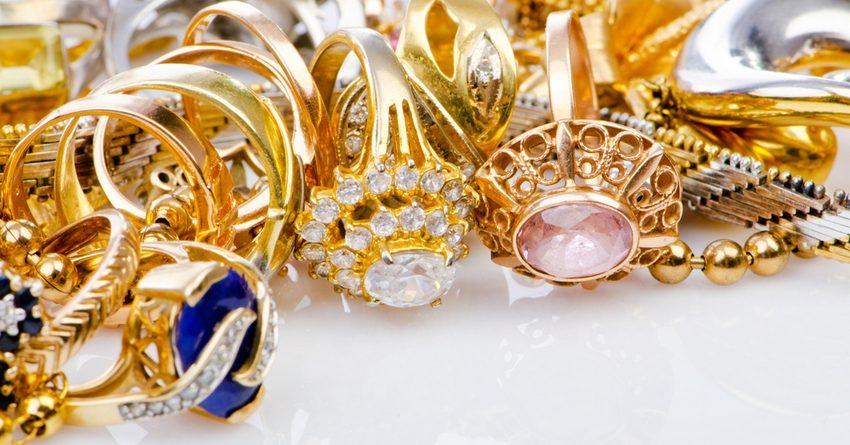 Поставки драгоценных украшений в Казахстан сократились на 25%
