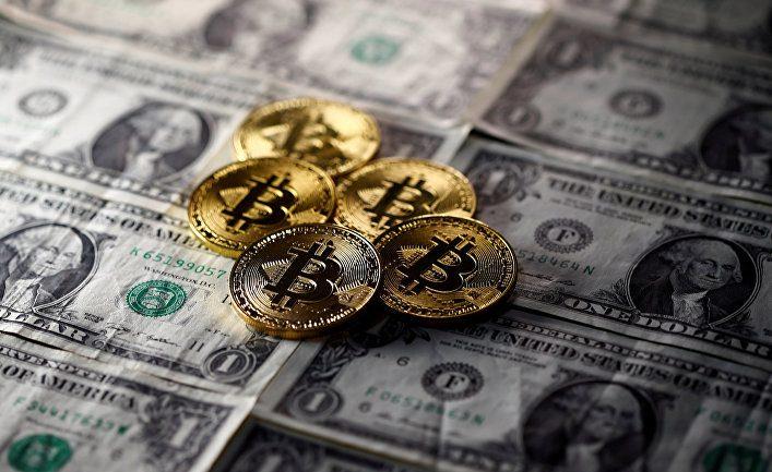 Курс биткоина упал до $10 тыс. за сутки