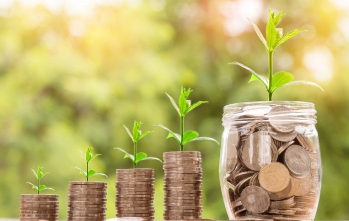 Объем инвестиций в Казахстан сократился вдвое