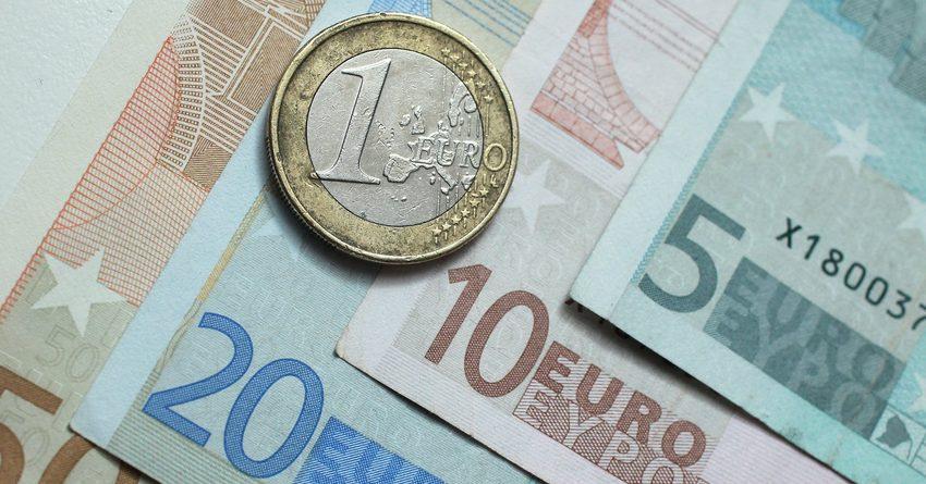 Стоимость евро в комбанках перевалила за 100 сомов