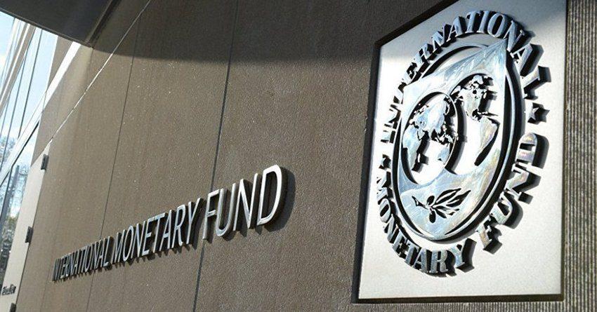 Атамбаев одобрил двукратное увеличение квоты КР на заимствования в МВФ