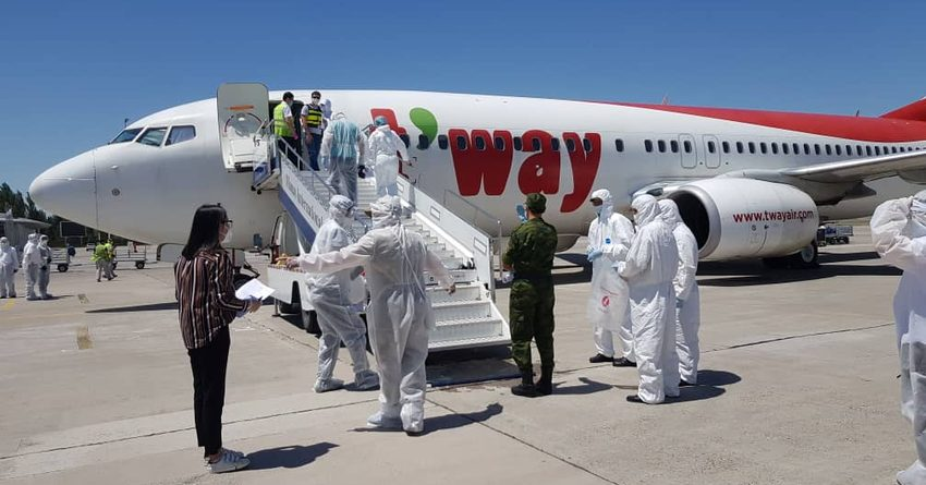 Из Кореи и Вьетнама вернулись 42 кыргызстанца