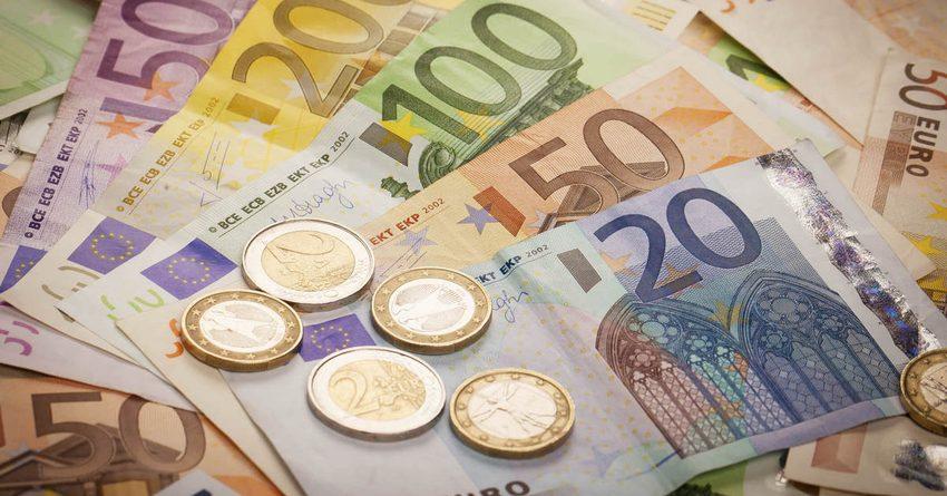 Размер минимальной зарплаты в ЕС достигает €2 тыс.