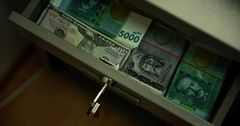 За 11 месяцев по бюджетным ссудам и кредитам возвращено почти 3.5 млрд сомов