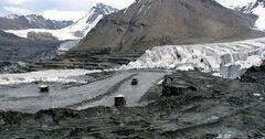 На «Кумтор» подали в суд за разрушение ледников