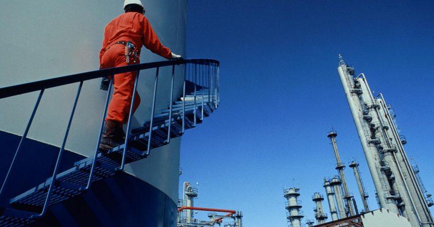В РК к 2021 году появится завод по переработке нефти