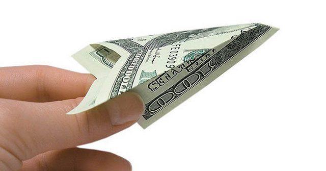 Нацбанк потратил на сдерживание курса доллара почти $20 млн