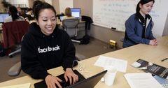Власти Китая готовы разблокировать доступ к Facebook на своих условиях