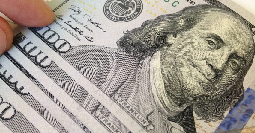 Банки КР увеличили кредитование в инвалюте