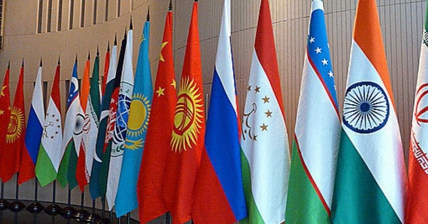 Лидеры стран ШОС приняли меморандумы о присоединении Индии и Пакистана