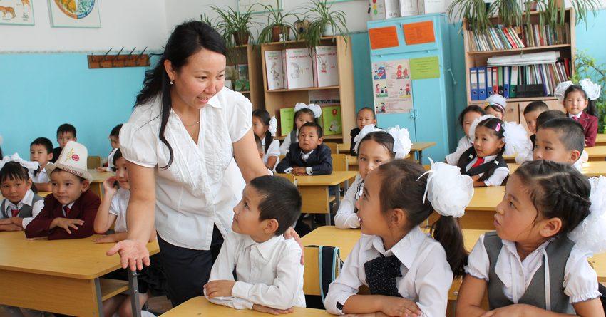 Самый низкий уровень производительности труда в КР у работников сферы образования