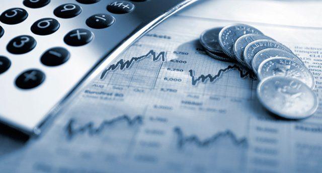 Налоговая служба не заставляет бизнесменов платить налоги авансом