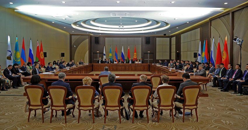 Премьер Кыргызстана предложил покончить с 5-месячными согласованиями документов в ЕАЭС