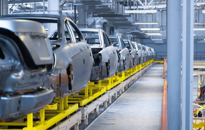 Объем промышленной продукции в КР уменьшился на 12%