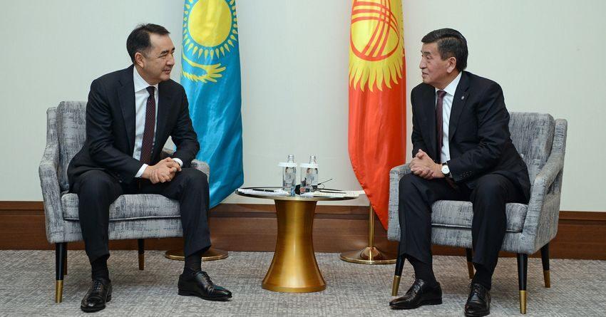 Жээнбеков обсудил с премьером РК исполнение Дорожной картыпо решению проблем на границе