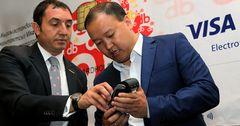 В Кыргызстане появилась технология бесконтактной оплаты Visa payWave