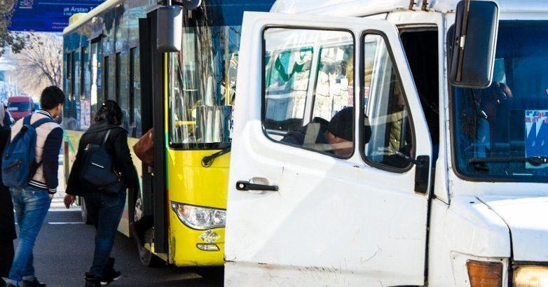 В Бишкеке полностью прекращается работа общественного транспорта и такси