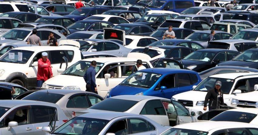 Правительство не спешит отменять налог на транспорт