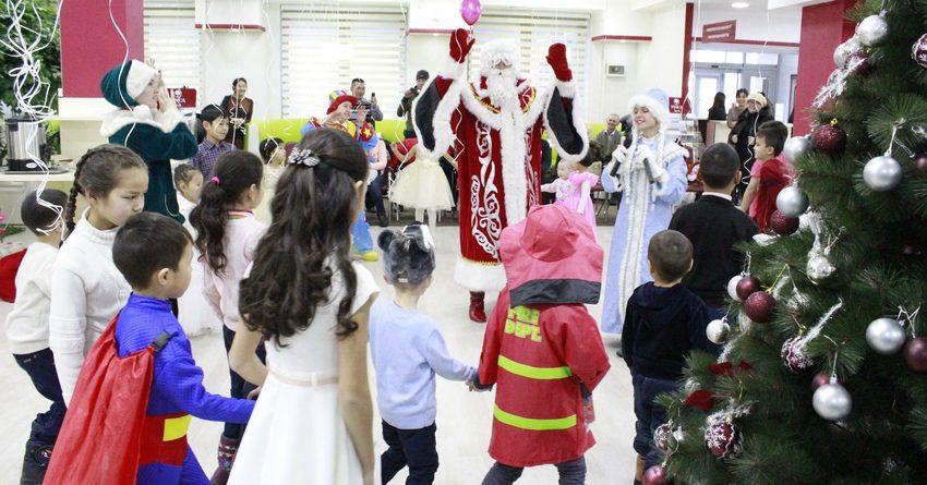 FINCA Банк устроил новогодние утренники для более 1.1 тыс. детей