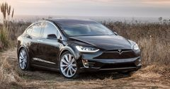 Акции Tesla упали на 10% на фоне аварии со смертельным исходом