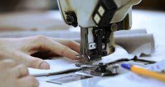 В КР снижены страховые тарифы для швейников