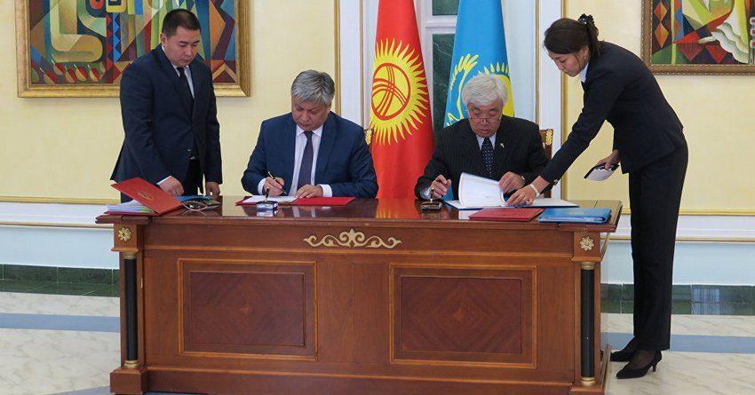 Граждане Кыргызстана и Казахстана смогут пребывать на территории стран до 30 дней без регистрации