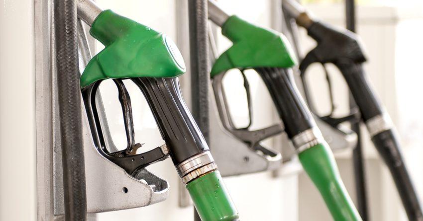 C увеличением ставок акцизного налога на бензин в бюджет поступит 4.2 млрд сомов