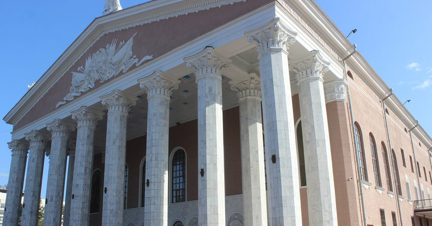 Финпол задержал бывшего гендиректора Театра оперы и балета