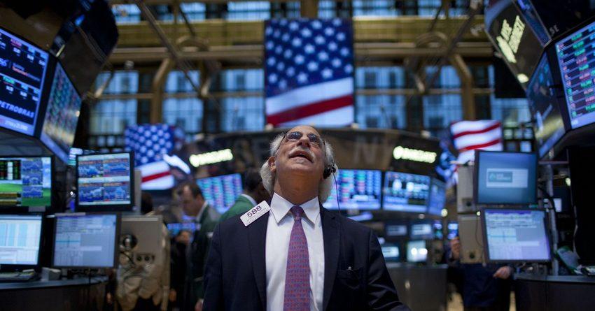 Индекс Dow Jones впервые за 120 лет превысил отметку 19 тыс. пунктов