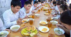 65% школ в КР обеспечены горячим питанием