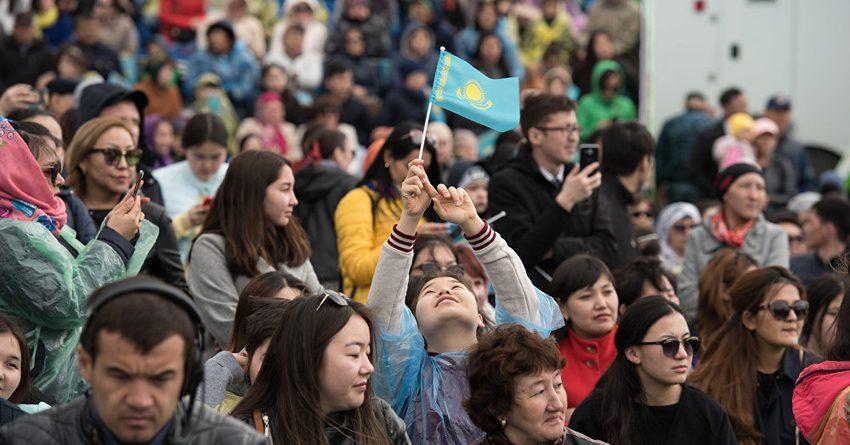 42% казахстанцев берут кредиты на свадьбы и похороны