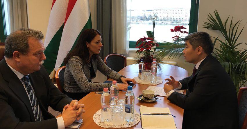 ЭксимбанкВенгрии хотят привлечь к финансированиюпроектов в КР