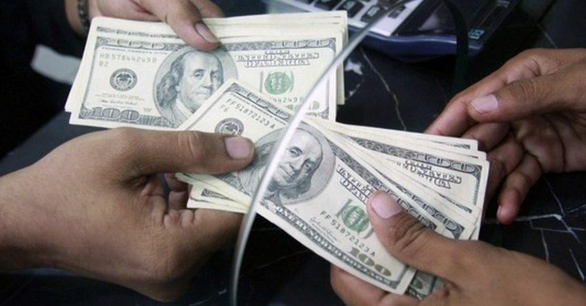 В августе значительно вырос приток денежных переводов в КР