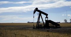 Акционеры «Кыргызнефтегаза» продали ценные бумаги на 2.6 млн сомов
