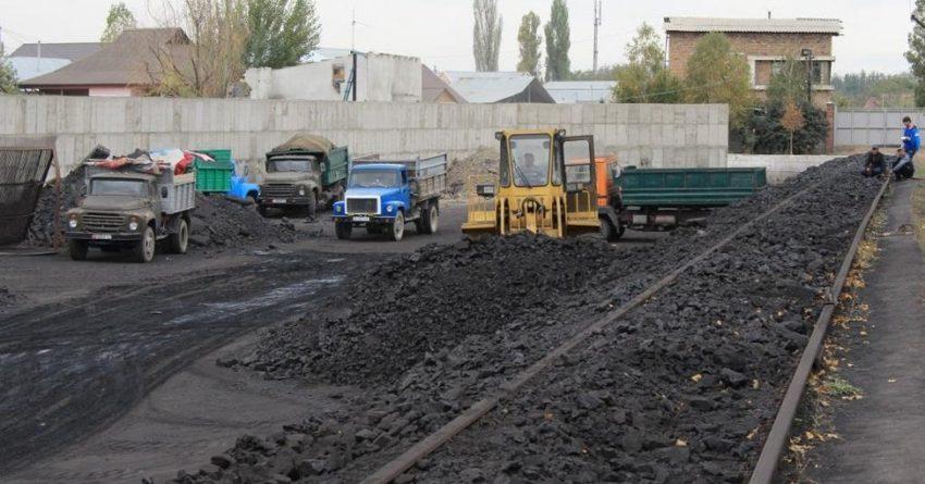 Уголь в КР за две недели подорожал на 2.8%