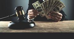 Судья ВС подозревается в коррупции и сокрытии личного имущества