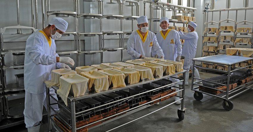 Объем промышленного производства в КР сократился на 8.3%