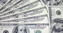 Падение рубля окажет влияние на экономику КР только на короткое время
