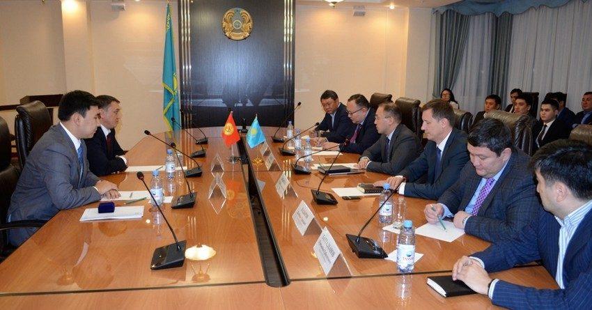 Министр информации и коммуникаций РК поднял вопрос погашения долгов кыргызстанскими провайдерами