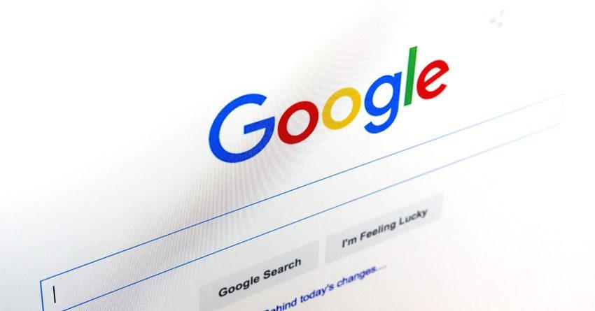 Google начнет распознавать фейки новостей