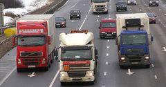 Казахстанские дальнобойщики терпят убытки на дорогах России