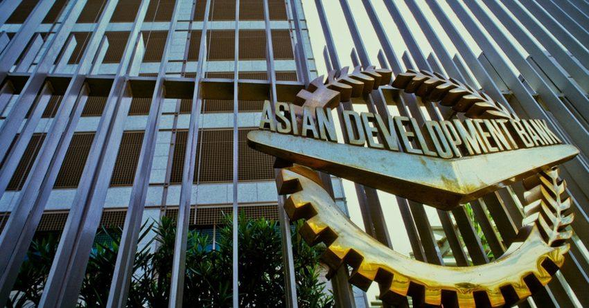Исламский и Азиатский банки развития выделят КР на борьбу с COVID-19 $35 млн
